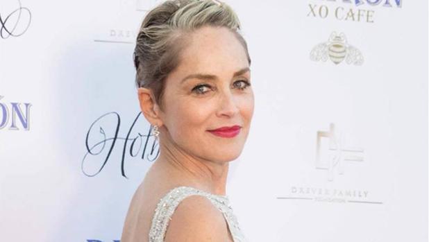 Sharon Stone en una alfombra roja este año