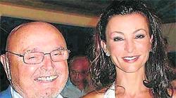 También resultó beneficiaria del legado su viuda, Silvia Gómez-Cuétara
