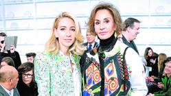 La estilista Naty Abascal es una de sus seguidoras. Ambas en el desfile de Schiaparelli en París, en enero de este año