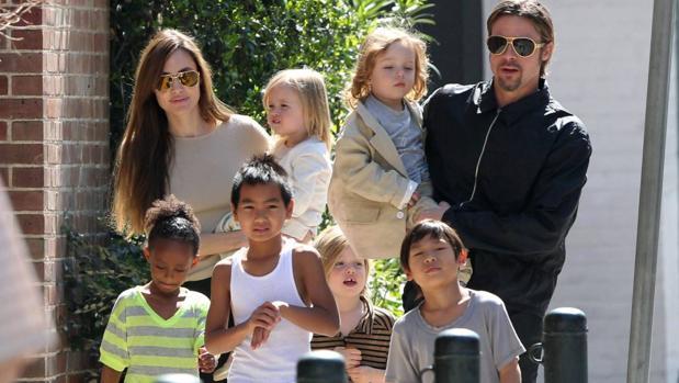 «Brangelina» con sus seis hijos