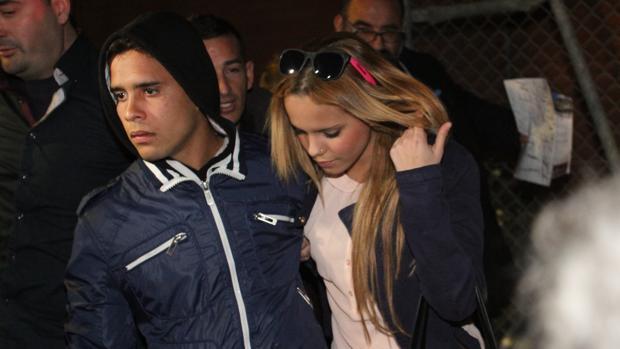 José Fernando junto a su hermana Gloria Camila