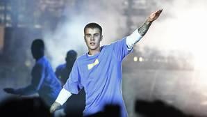 Justin Bieber recibe un puñetazo en la cara en una discoteca alemana
