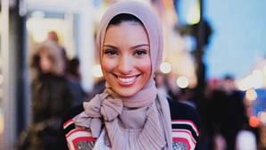 Playboy pasa del desnudo al «hijab»