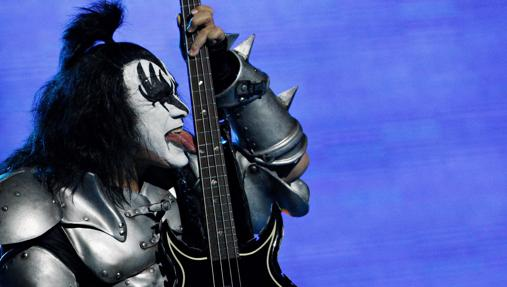 Gene Simmons, Bajista de Kiss
