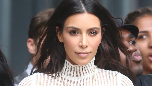 Kim Kardashian siembra sospechas sobre el conserje del hotel y su posible implicación en el robo