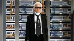 La modernidad de Lagerfeld, a su manera