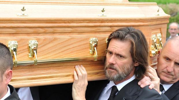 Jim Carrey, demandado por la madre de su exnovia por homicidio negligente