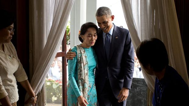 Aung San Suu Kyi y Barack Obama durante una visita de este a Rangún