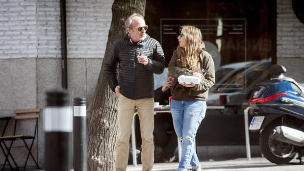 El actor pasea con su actual pareja, Mercedes