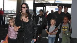 El ex guardaespaldas de Angelina Jolie y Brad Pitt rompe su silencio