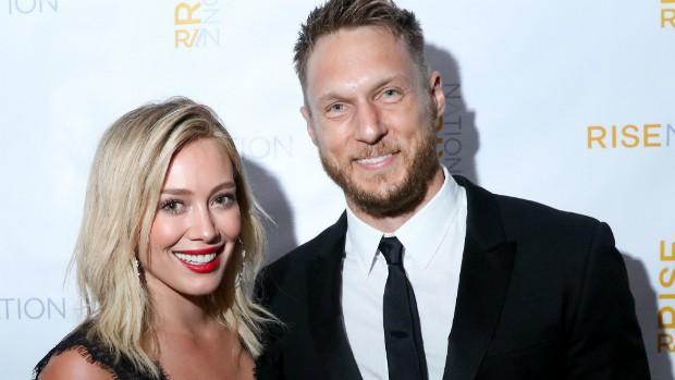 Hilary Duff junto a su novio, Jason Walsh