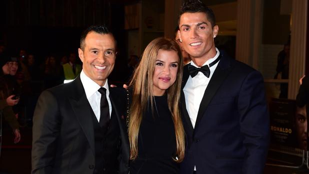Jorge y Marisa Mendes junto a Cristiano Ronaldo