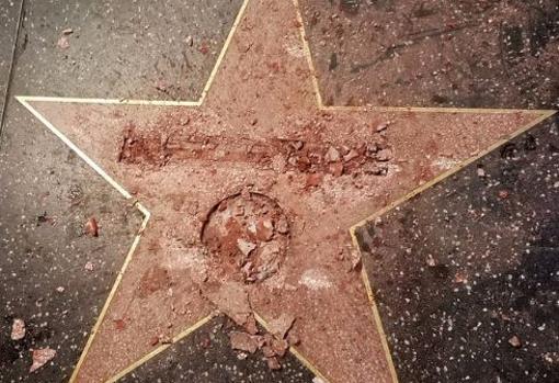 Así quedó la estrella de Donald Trump