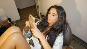 Kim Kardashian reaparece en las redes sociales un mes después del atraco que sufrió en París