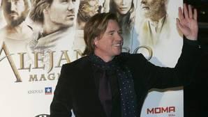 Val Kilmer desmiente a Michael Douglas sobre su cáncer de garganta