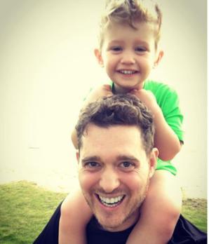 Michael Bublé y su hijo Noah