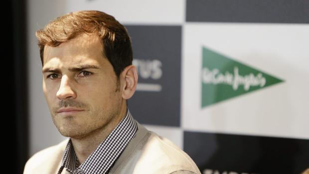 Iker Casillas durante un acto promocional presentando el corto