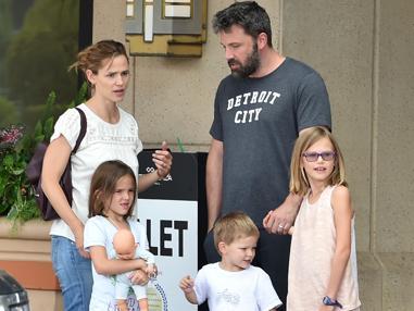 La familia Affleck al completo