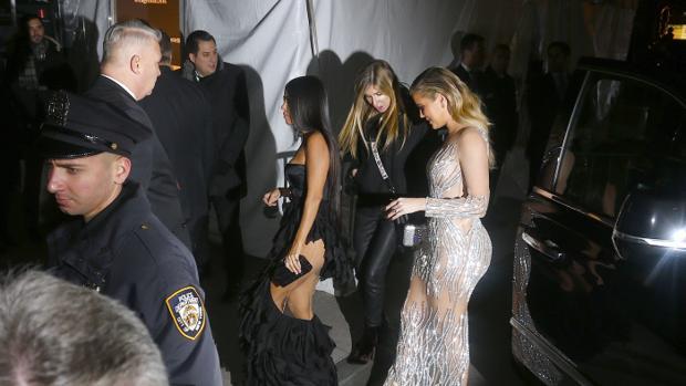 Khloé y Kourtney Kardashian