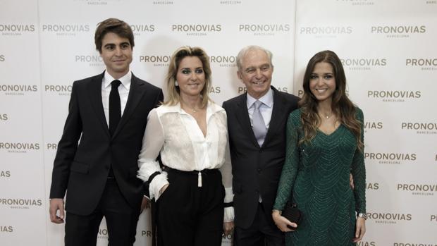 Alberto Palatchi y Susana Gallardo, junto a sus hijos Alberto y Marta