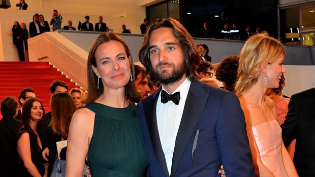 Carole Bouquet y su hijo Dimitri Rassam, en el Festival de Cannes en 2015