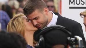 Shakira y Piqué exponen su amor con constantes muestras de cariño