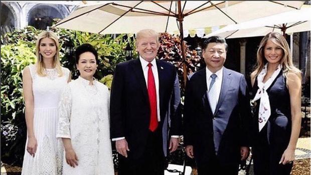 Ivanka con Peng Liyuan, Xi Jinping y Donald Trump