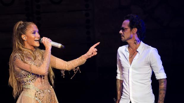 Jennifer Lopez y Marc Anthony cantando juntos