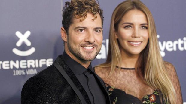 Bisbal, premiado en Tenerife y acompañado por su novia