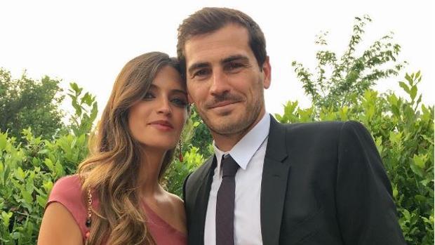 Sara Carbonero e Iker Casillas en la boda de unos amigos
