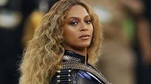Beyoncé en su actuación durante la Super Bowl de 2016