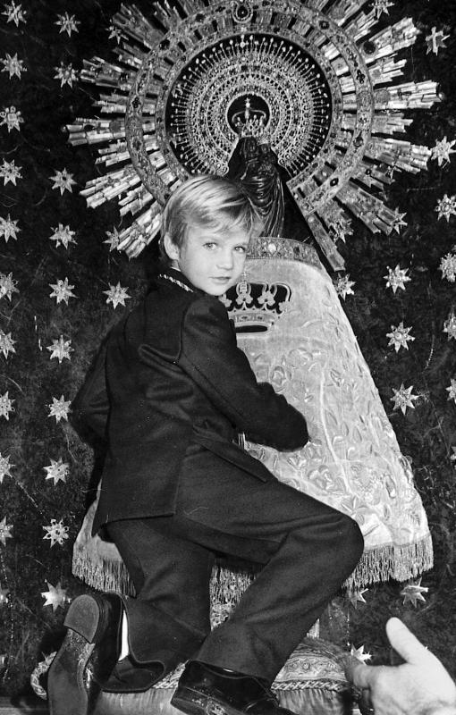 El Príncipe, con la Virgen del Pilar en 1975