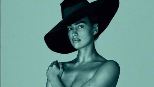 Shayk posa posa para la revista Vogue