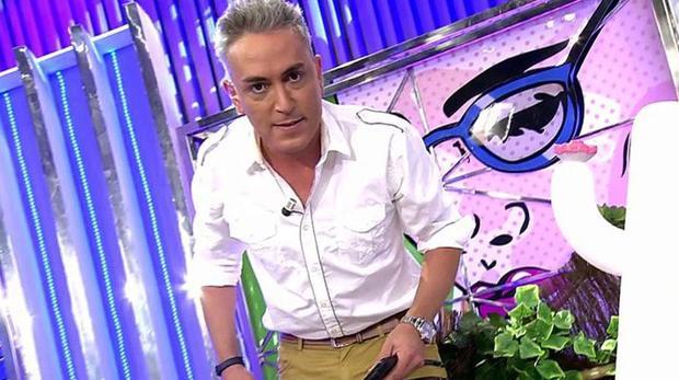 Kiko Hernández dirigiéndose a Anabel Pantoja