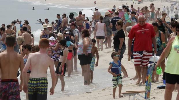 ¿Cómo hacer ejercicio en la playa en verano?