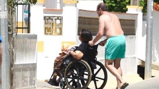 Passos Coelho cuidando de su mujer