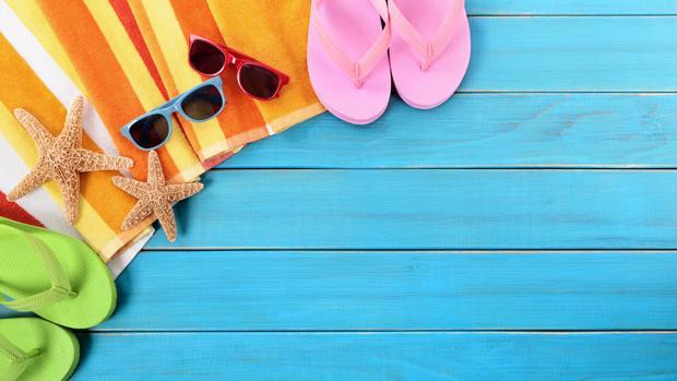 Para mantener tus objetos libres de arena conviene reservar alguna mochila o bolso que solo vayas a utilizar para acudir a la playa
