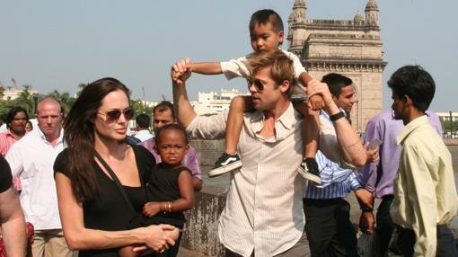 Los actores con dos de sus hijos