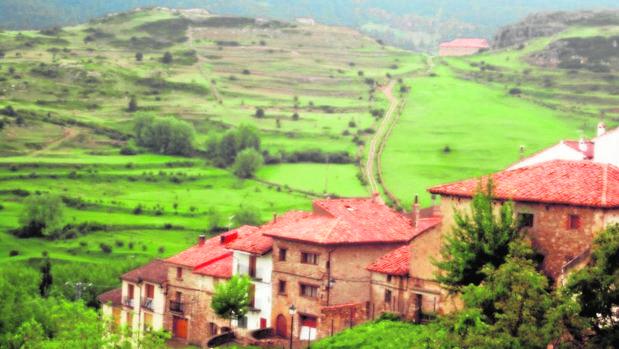 Vista de los extensos prados que rodean al pueblo