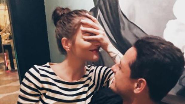 Andrea Duro junto a su nueva pareja Chicharito