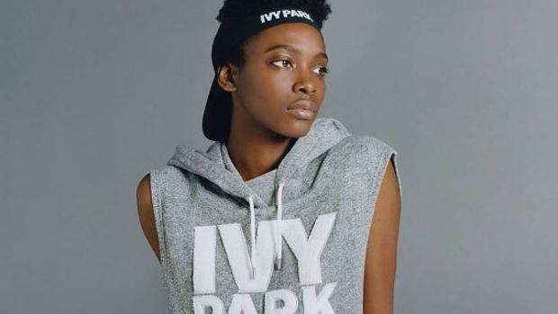 Una de las modelos de la firma «Ivi Park» de Beyoncé