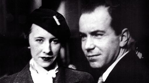 El Príncipe Sigvard de Suecia perdió sus privilegios reales al contraer matrimonio con Erika Patzek