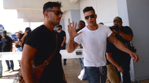 Ricky Martin a su llegada a Puerto Rico para ayudar a las víctimas del huracán