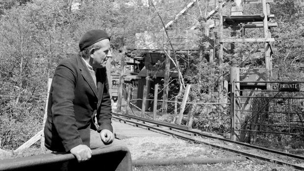 Edward Edwards, director de la mina Clogau St. David's, en una imagen de 1966