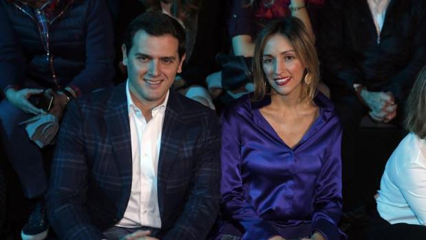 Albert Rivera acude a la pasarela madrileña en apoyo a la moda española