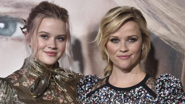 Reese Witherspoon junto a su hija