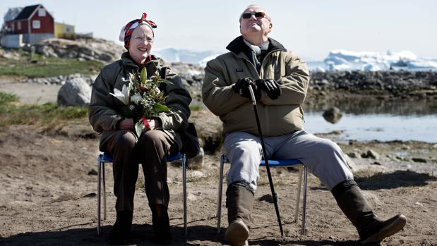 La Reina de Dinamarca y el Principe Enrique en Groenlandia