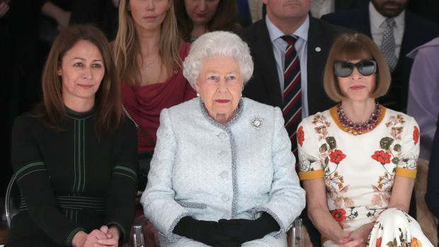 La Reina Isabel II durante el desfile