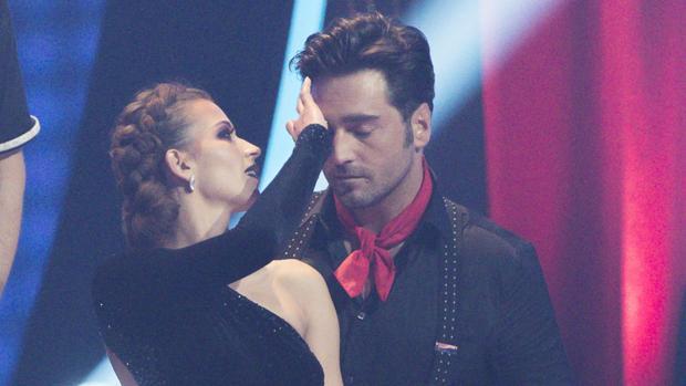 David Bustamante junto a su pareja de baile