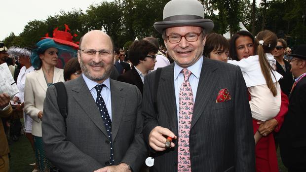 Gerard y Alain Wertheimer, en un concurso hípico en Chantilly